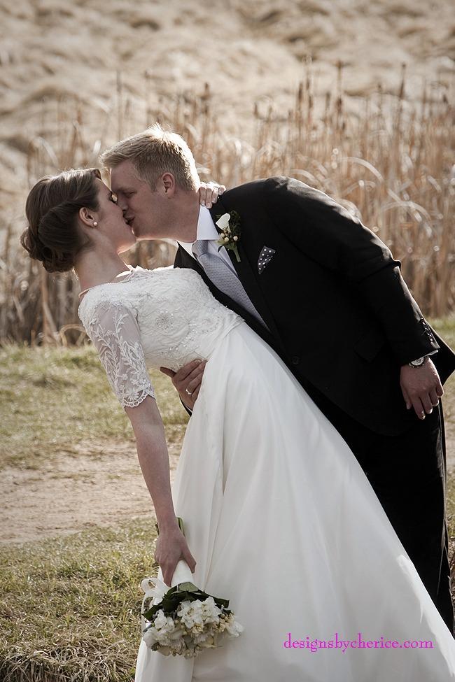 Rustic chic Colorado Mountain wedding at Evergreen Lake House