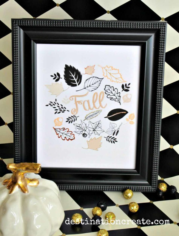 Black & gold are trending for Autumn. Here's a Fall printable that you can embellish very simply with some glitter.